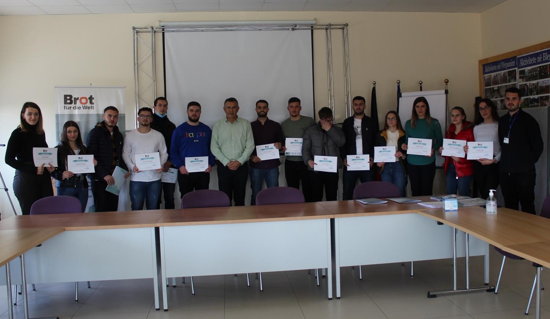 Studentët përkrahen me trajnime dhe punë praktike