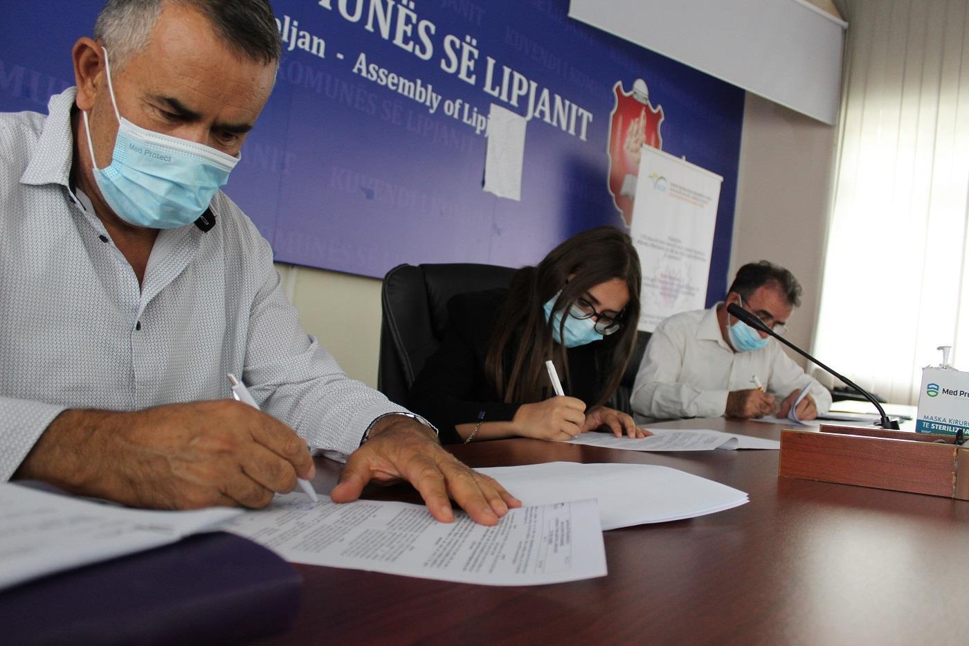 IADK nënshkruan kontratat me 18 fermer-të rinjë